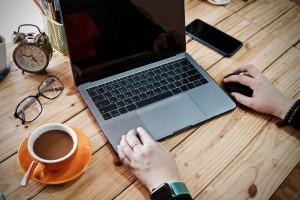 Raport: 40 proc. Kanadyjczyków może pracować w domu