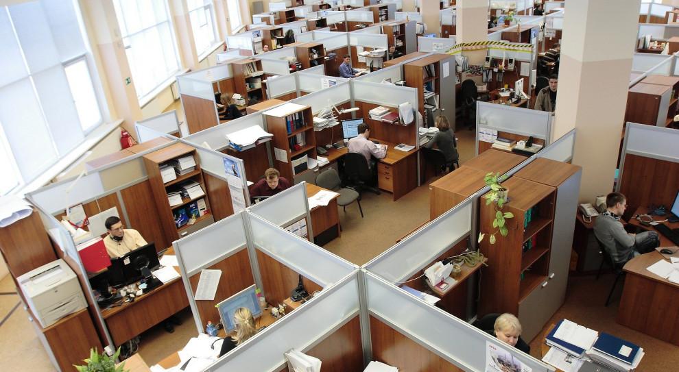 Powrót do biur nie taki łatwy. Pracodawcy muszą się dobrze przygotować