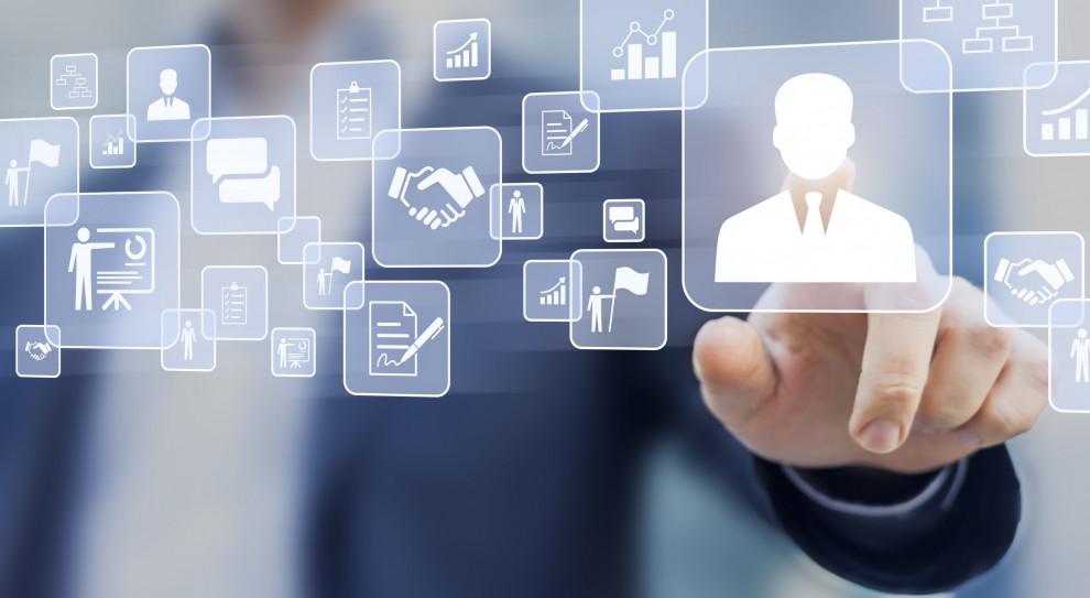 PwC: Firmy powinny teraz wzmacniać kanały cyfrowe