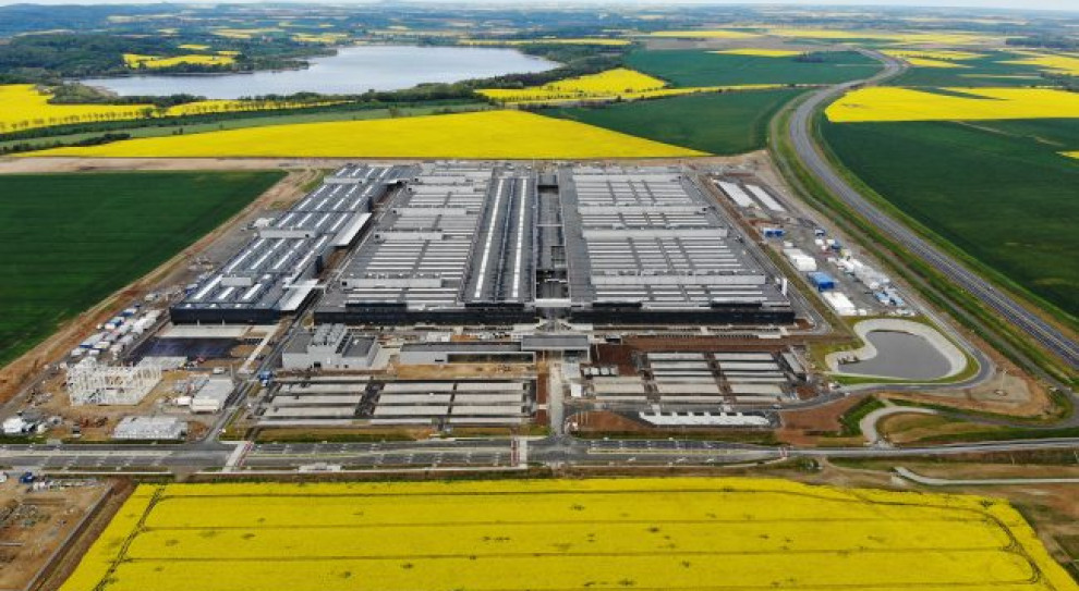 Po wakacjach rusza fabryka baterii Mercedes-Benz w Jaworze