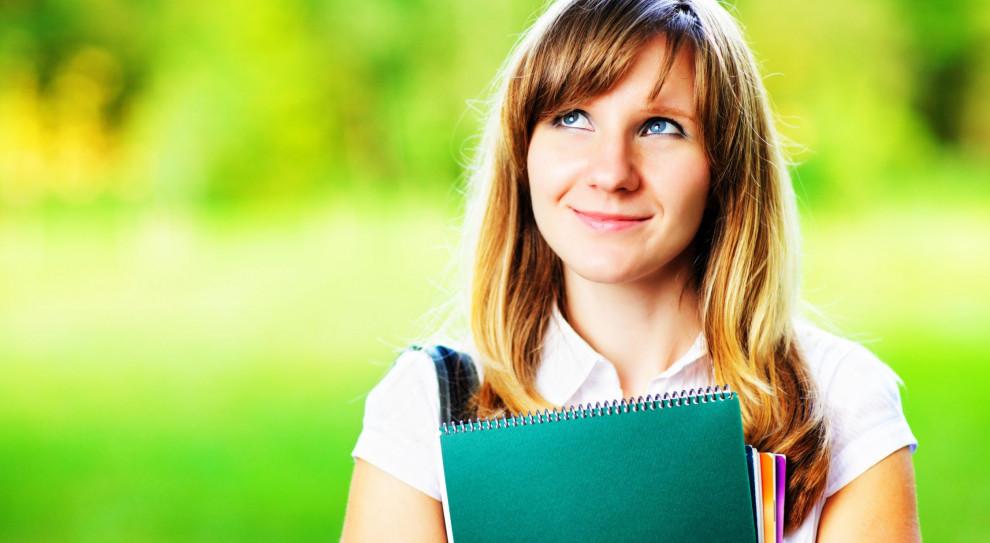 Studia: Kobiety coraz chętniej wybierają kierunki związane z nowymi technologiami