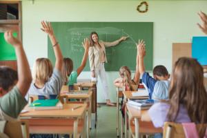 Piontkowski: Środki na podwyżki dla nauczycieli są wypłacane w ratach
