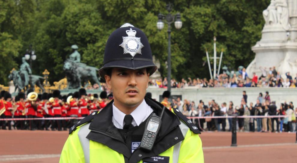 Szefowa brytyjskiego MSW: ataki na policjantów będą surowo karane