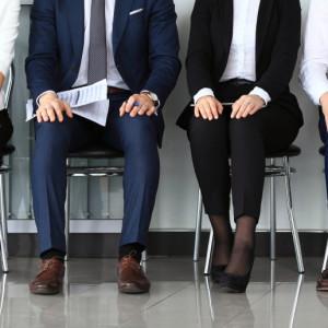Analitycy PKO BP: czerwcowy PMI wskazuje ograniczenie skali redukcji zatrudnienia