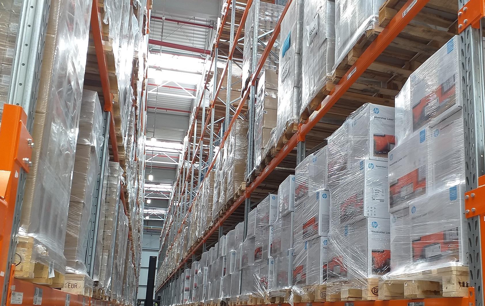 Magazyn Fundacji Polsat, gdzie drukarki HP czekają na rozesłanie (fot.materiały prasowe)
