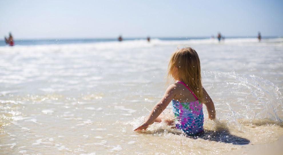 Bon turystyczny także dla dzieci rodziców pracujących za granicą