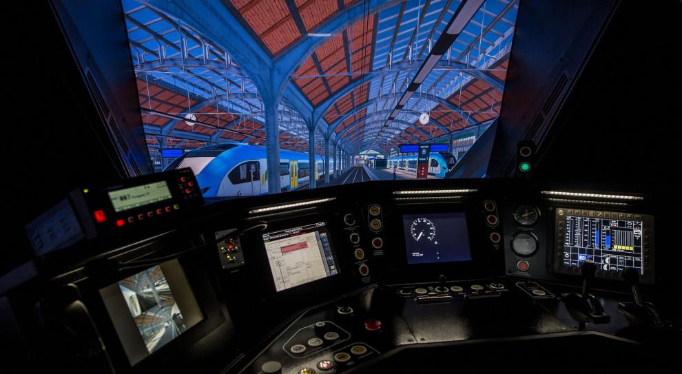 Koleje Śląskie szkolą maszynistów na symulatorze pociągu typu Elf 2