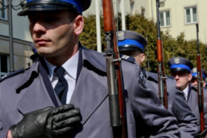 Sejm uchwalił ustawę o wsparciu służb mundurowych