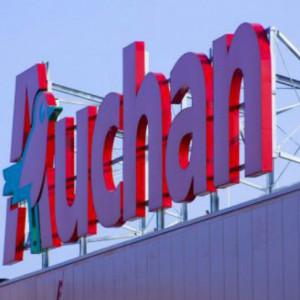 Auchan zamyka kolejne sklepy. Pracowników czekają zwolnienia