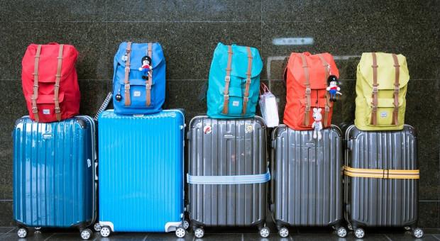 Przez koronawirusa stracili pracę w Polsce. Rozważają wyjazd za granicę