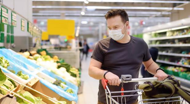 Polacy przestali odwiedzać duże sklepy