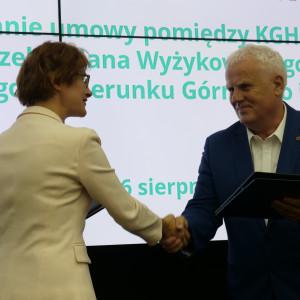 Kształcenie dualne dla KGHM. Miedziowa spółka podpisała ważną umowę