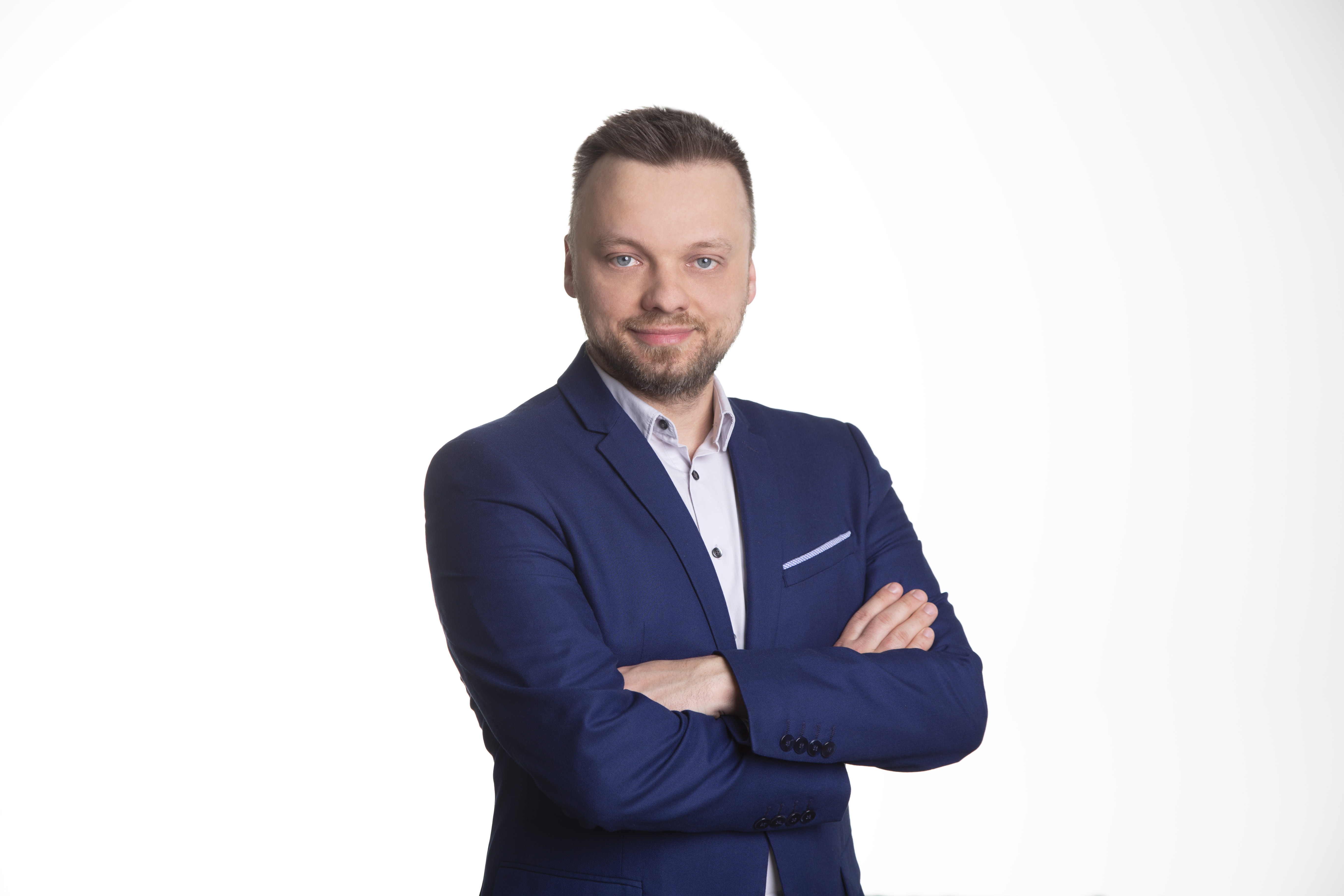 Kamil Wiśniewski, digital director w Spacecamp z branżą komunikacyjną związany jest już od 12 lat.  (Fot. mat. pras.)