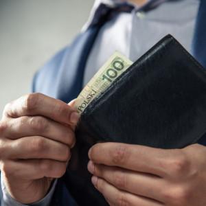 Średnie zarobki Polaków nadal powyżej 5 tys. zł