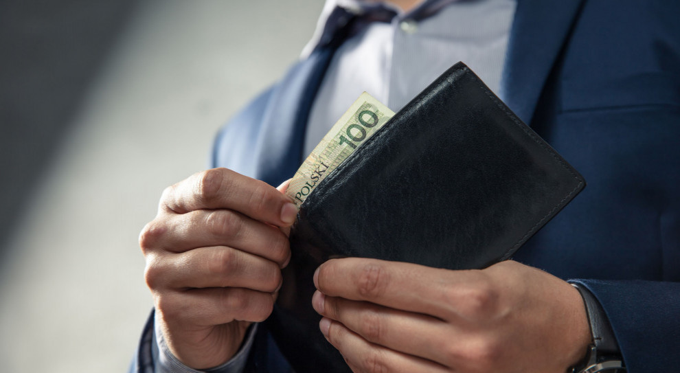 Przeciętne wynagrodzenie Polaków spadło o 6 procent