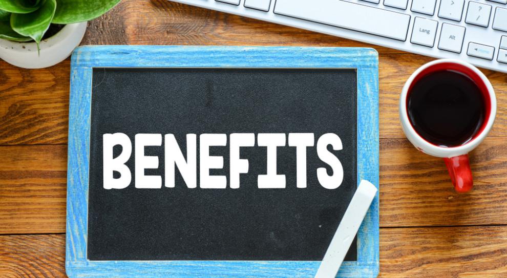 Na znaczeniu mocno straciły benefity pozapłacowe, którymi pracodawcy w szczycie rynku pracownika chętnie kusili kandydatów. (Fot. Shutterstock)
