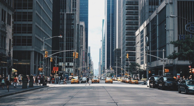 Burmistrz Nowego Jorku walczy o kredyt. Bez niego 22 tys. urzędników dostanie wypowiedzenie