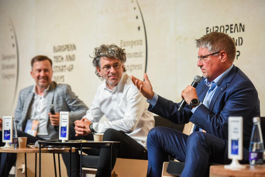 Przemysław Kurczewski (z prawej), zastępca dyrektora Narodowego Centrum Badań i Rozwoju (fot. PTWP)