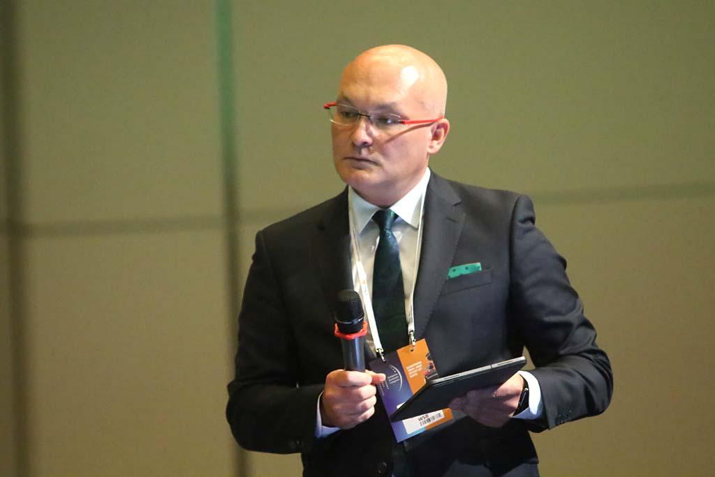 Debatę poprowadził Marcin Lis, prorektor ds. studenckich i współpracy z otoczeniem w Akademii WSB w Dąbrowie Górniczej.