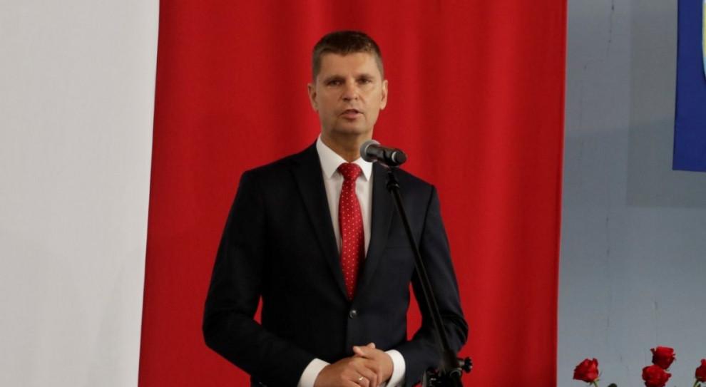 Piontkowski: Nie ma zakazu odbywania przez studentów praktyk w szkołach