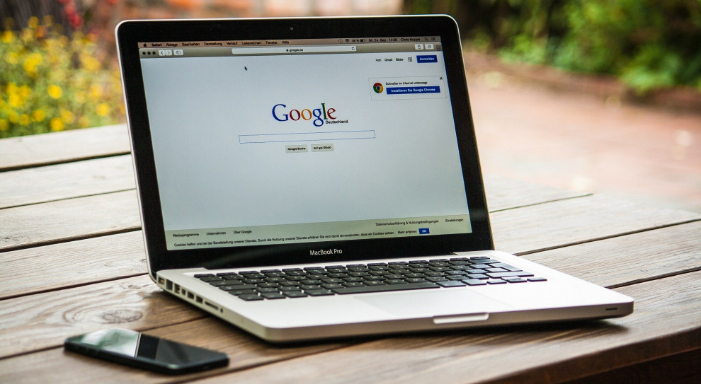 Google przechodzi na hybrydowy model pracy