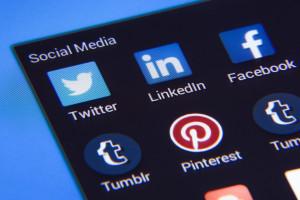 Jak być aktywnym w sieci i nie stać się ofiarą cyberataku