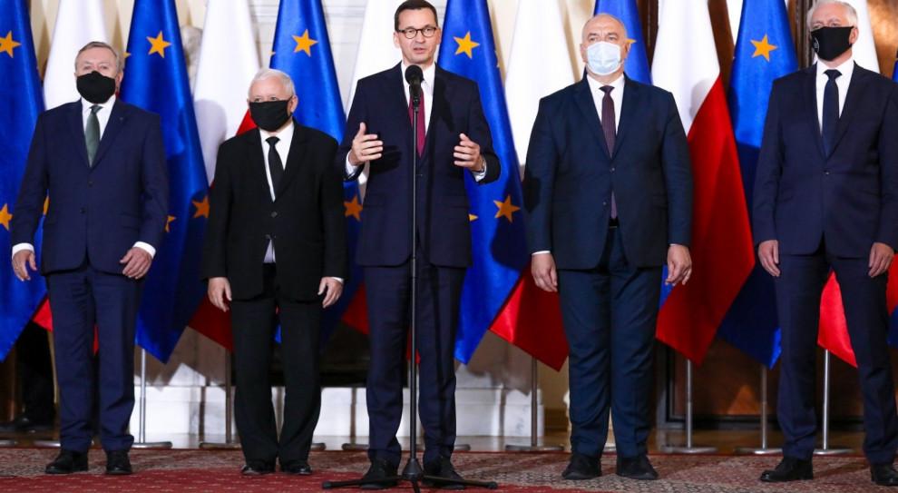Rekonstrukcja rządu - zmniejszenie liczby ministerstw z 20 do 14, kilku nowych ministrów i zmiana zakresu kompetencji