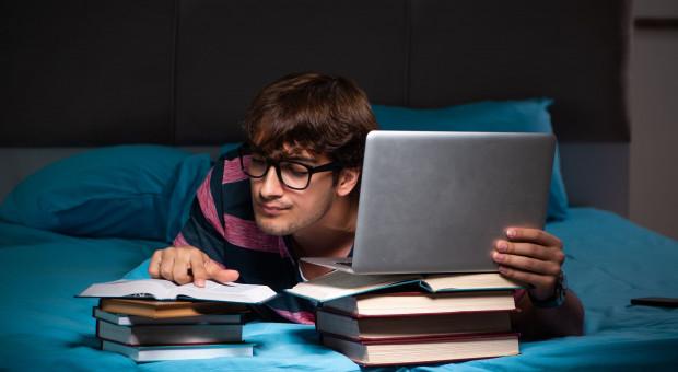 Mniej miejsc w akademikach