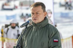 Szef MON: Wojskowe Ogólnokształcące Liceum Informatyczne istotne dla bezpieczeństwa Polski