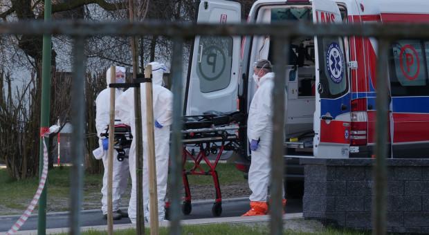 Pracownicy pogotowia wspominają początki pandemii: poradziliśmy sobie