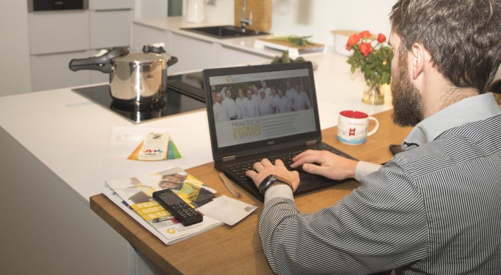 Wszędzie ta elastyczność – w domu, w pracy, w biurze, w rekrutacji