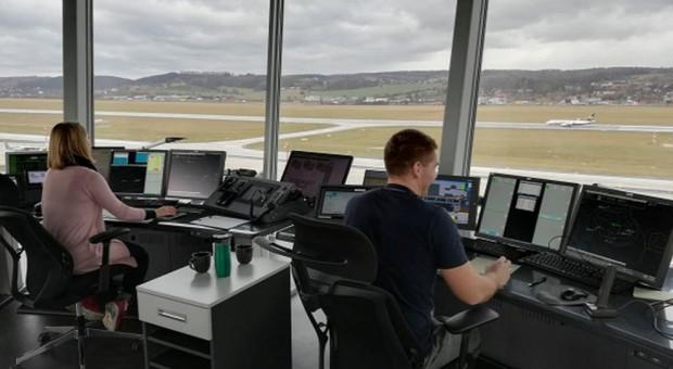 Kontroler ruchu lotniczego. W Polsce ten zawód wykonuje tylko ok. 600 osób