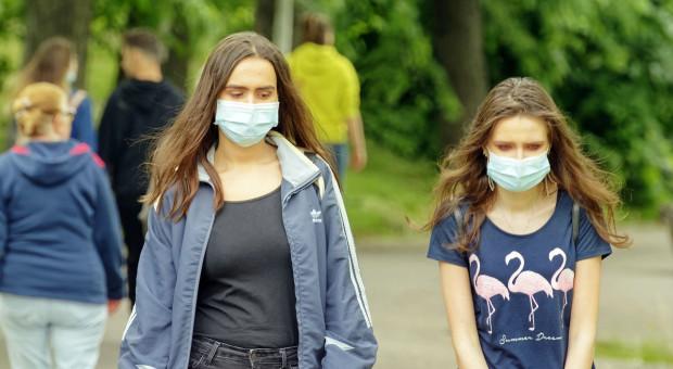 Mniej studentów z zagranicy na polskich uczelniach. Powodem koronawirus