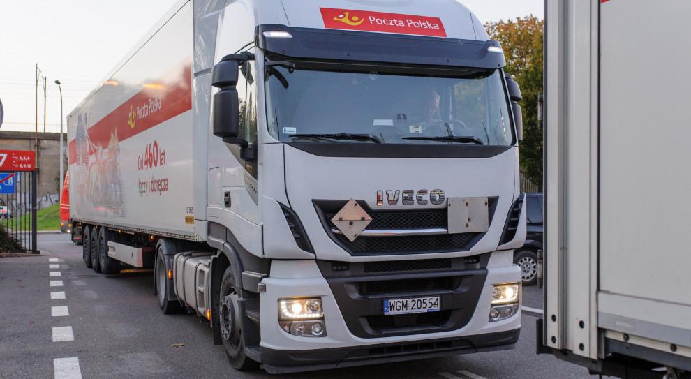 Poczta Polska po raz kolejny wspiera walkę z koronawirusem