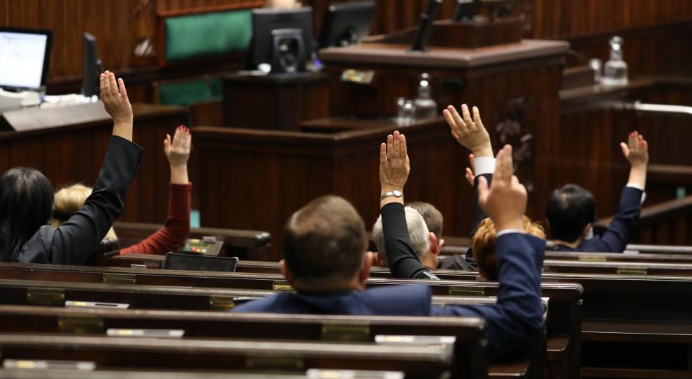 Pensja posła i senatora uzależniona od sytuacji na rynku pracy? Pomysł trafił do Sejmu