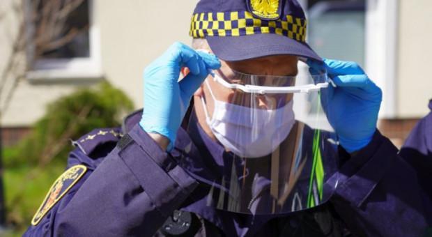 Komendant chce zwolnić strażników miejskich interweniujących przed siedzibą PiS