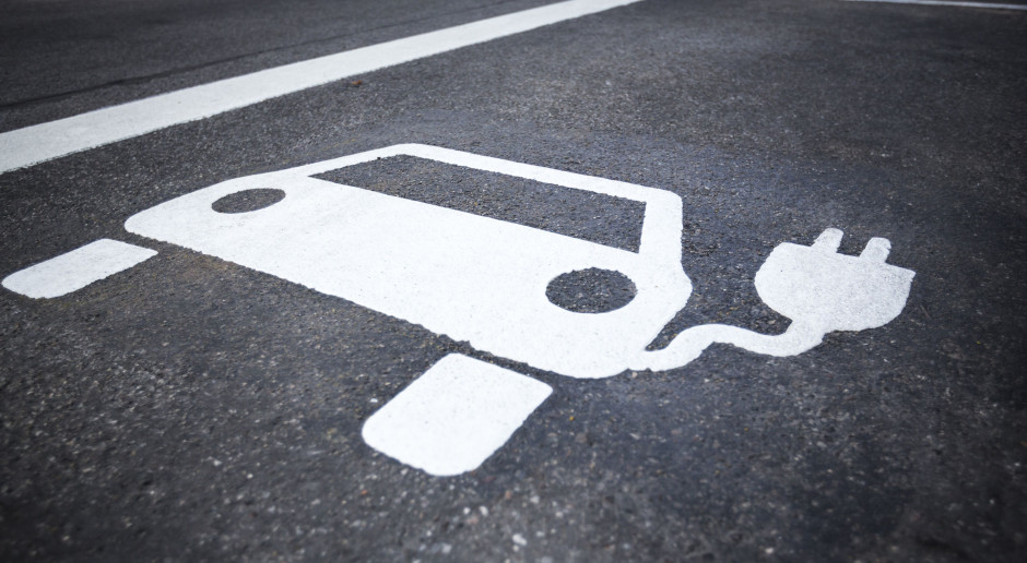 Największym problemem jest znalezienie specjalistów z doświadczeniem w testowaniu urządzeń elektrycznych (Fot. Shutterstock)