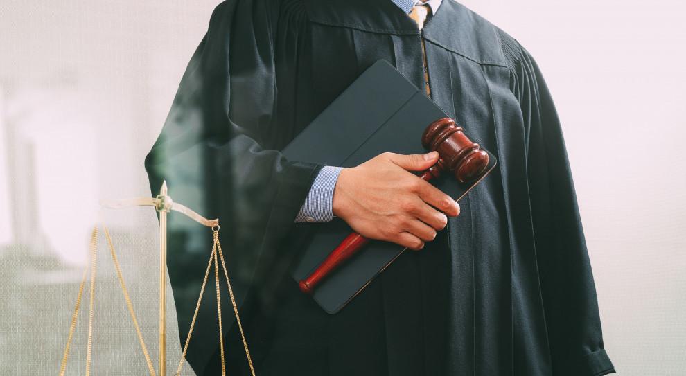 Sądy z rekomendowaną pracą na dwie zmiany