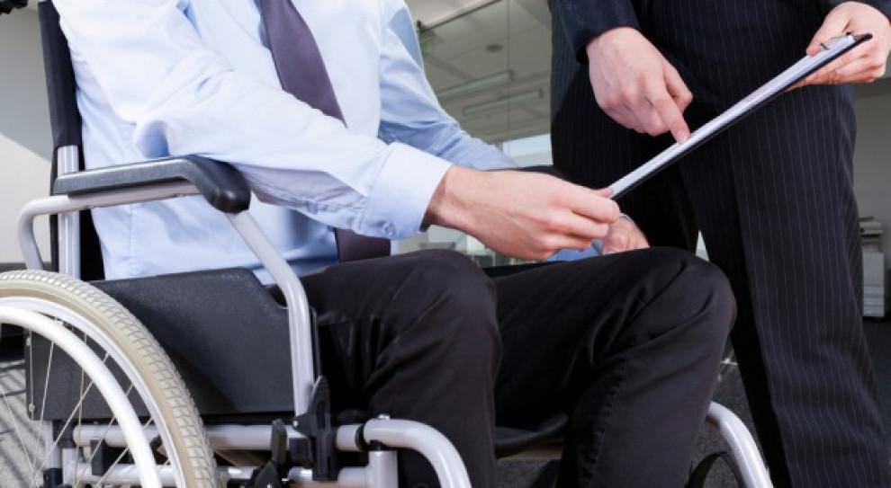Jest coraz lepiej, ale jedynie co szósty niepełnosprawny pracuje