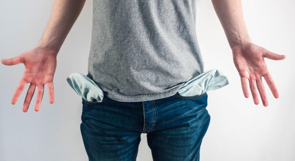 Ponad 1/3 Polaków  nie radzi sobie ze spłatą długów