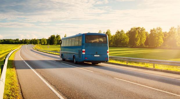Przewoźnicy autokarowi apelują o dopłaty do pensji i umorzenie pomocy z PFR