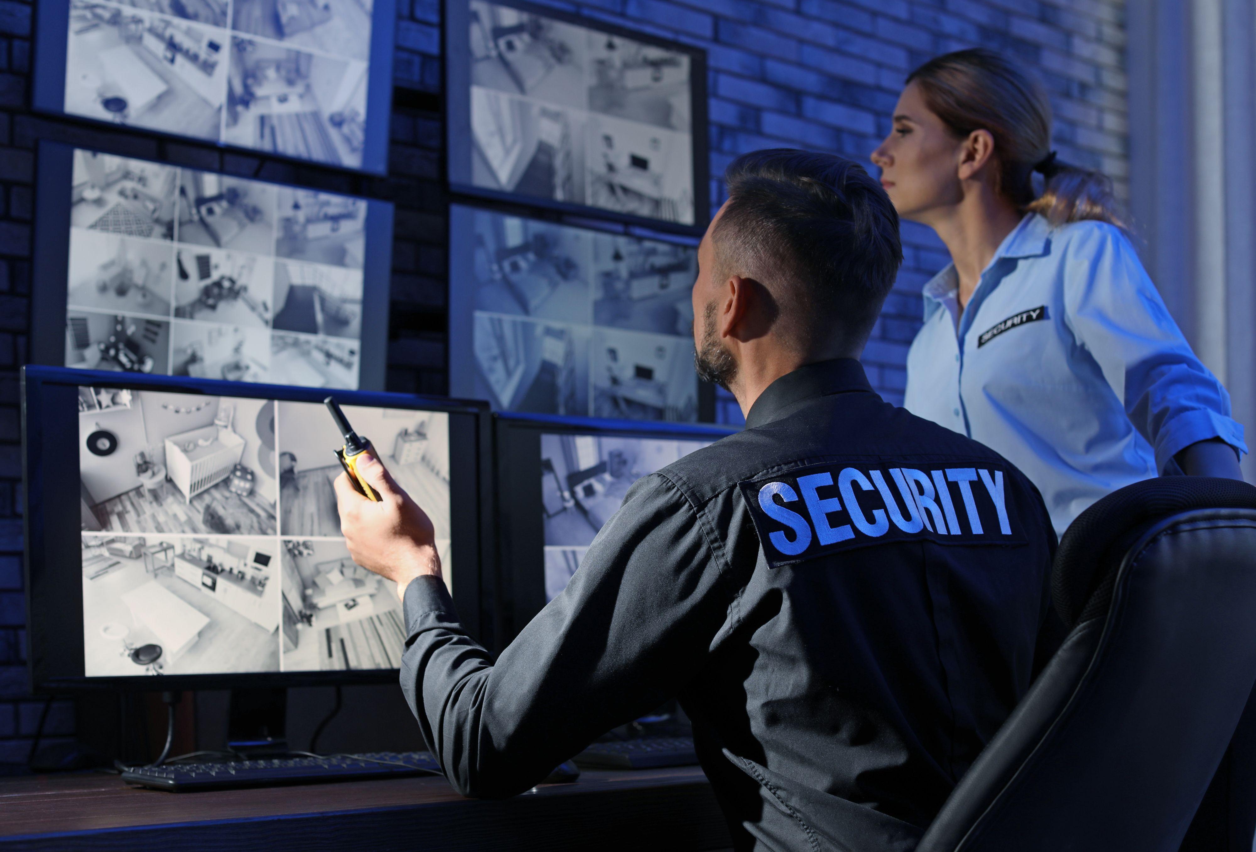 Tam, gdzie jeszcze to możliwe, firmy ochrony, aby nie tracić klienta, będą proponować najnowsze rozwiązania technologiczne z zakresu zabezpieczeń (Fot. Shutterstock)