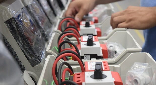 Do 2025 maszyny przejmą połowę rynku pracy. 5 zawodów na liście zagrożonych
