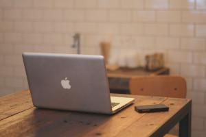 Szef Apple ds. bezpieczeństwa oskarżony o łapówkarstwo