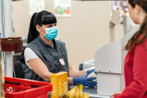 PIH: Dla małych sklepów, nawet tymczasowe zmiany to wyzwanie kadrowe