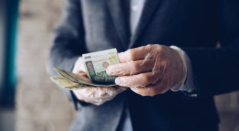 Firmy wyłudzają pieniądze z tarczy finansowej