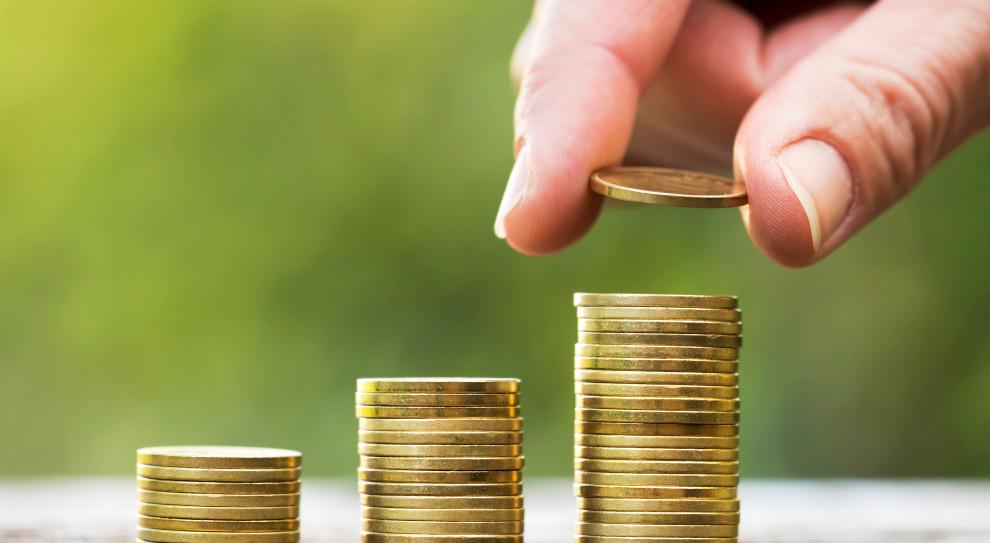 Średnie wynagrodzenie w górę. Polacy zarabiają coraz więcej