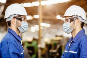 Covidowe kontrole w fabrykach. Mandaty, nagany i zwolnienia