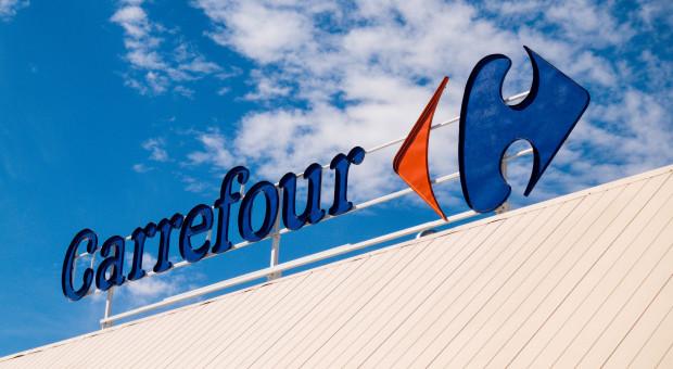 """Carrefour wyciąga rękę do """"generacji COVID"""""""