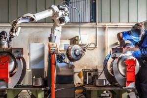 Technik dekarstwa, robotyk, podolog. Nowe zawody czekają na opinie
